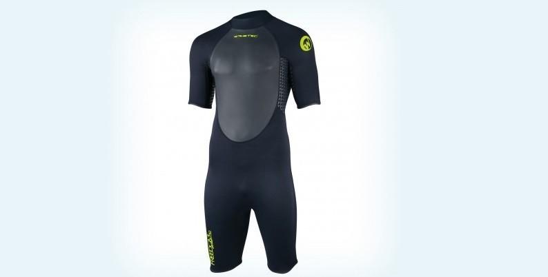 Short neoprene foams intended for wakeboarders